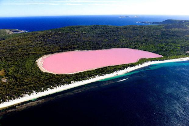 Doğanın mucizesi: Pembe göl…