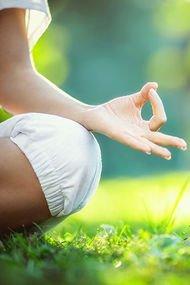 Uykusuzluk sorunu ve sürekli yorgunluk için 5 yoga pozu