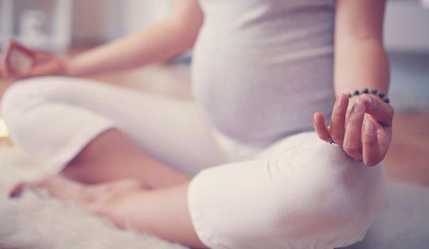Hamileler için yoga ve anne-bebek nefes çalışması
