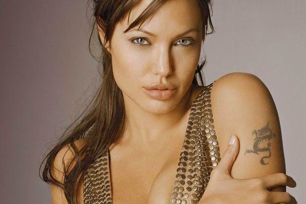Meme kanserinde Angelina Jolie farkındalığı