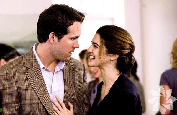 Kesinlikle, Belki (2008) Eşinden ayrılmak üzere olan Will'in küçük kızı, anne ve babasının tanışma hikayesini dinlemek ister. Babası Will ise hayatına giren tüm kadınları kızına anlatmaya başlar fakat hangisinin annesi olduğunu söylemez ve kızının tahmin etmesini ister.