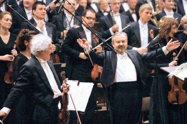 Bir orkestra şefinin dünyayı ayaklandıran konseri