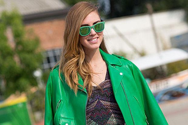 Renkli, şık ve feminen deri ceketler...