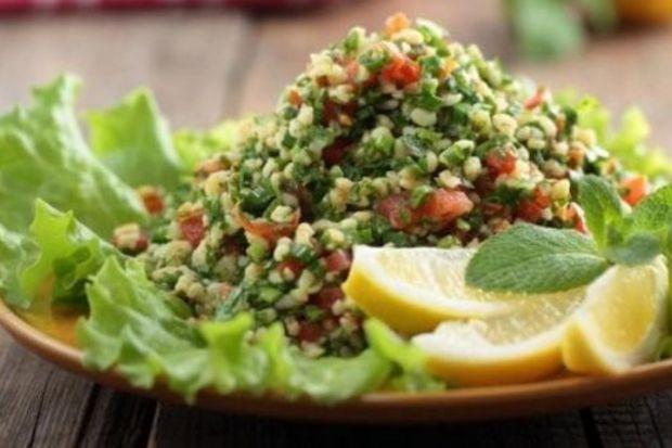 Börülceli bulgur salatası