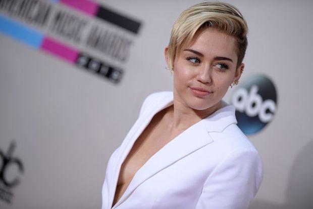 Yılın ünlüsü Miley Cyrus oldu