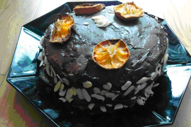 Badem ve mandalinalı pasta