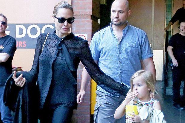 Angelina ve kızı aynı kıyafetle