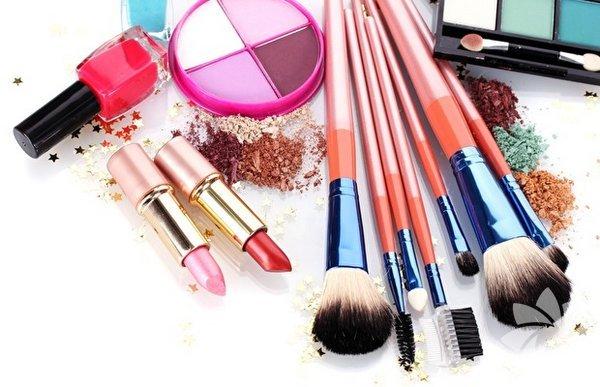 Her gün kullandığımız kozmetik ürünlerinin belli bir ömrü olduğunu biliyor muydunuz? Bozulan kozmetik ürünler ise cildimize zarar verebilir. İşte kozmetik ürünlerin kullanım süreleri...