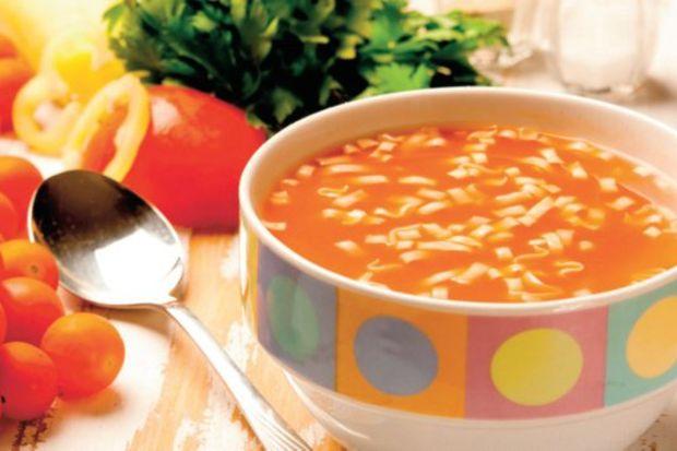 Makarnalı domates çorbası