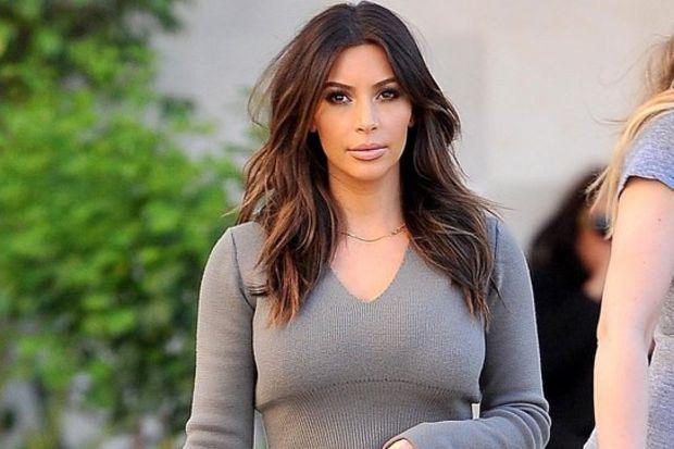 Kardashian kucak dansı öğreniyor