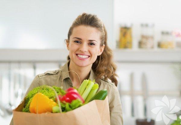 C vitamini  içerir, kolestrolü düşürür, kanseri önler, artirit  ağrılarını hafifletir, kilo  vermeye yardımcıdır, vücutta detoks etkisi  vardır, kan basıncını düşürür, genel  sağlık üzerinde faydalıdır.