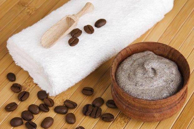 Kuruyan saçlarınızı kahveyle besleyin