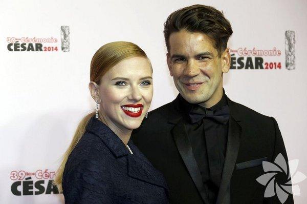 Scarlett Johansson'un beş aylık hamile olduğu iddia edildi.