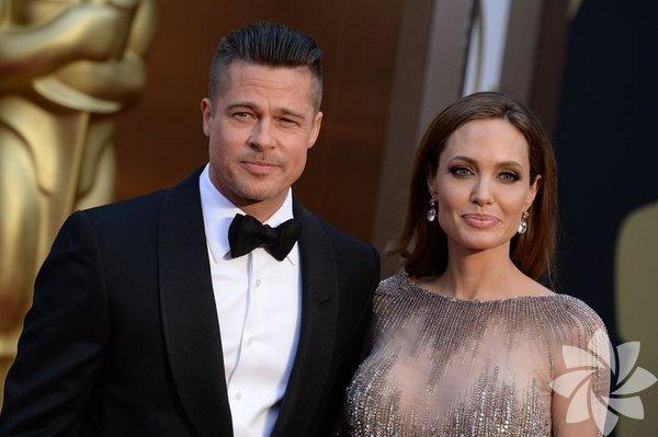 """Eski eşi Brad Pitt'i Angelina Jolie'ye kaptırmayı bir türlü  hazmedemeyen  Jennifer Aniston, hayatıyla ilgili bilinmeyenleri  anlattığı kitabında,  Jolie için """"O, iyilik meleğini oynayan kötü bir  insan"""" dedi."""