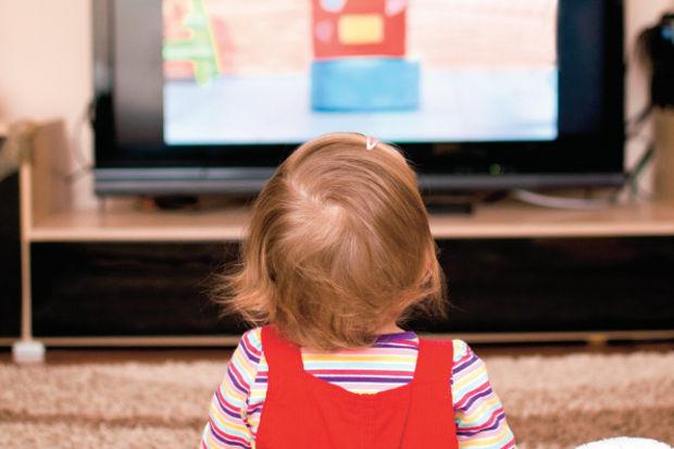 TV ve tablet ikilisi çocuklara iyi gelmiyor!