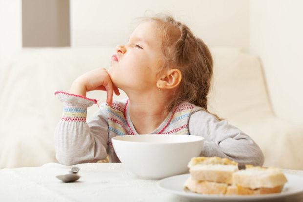 Yemek yemeyen çocuğu saplantı yapmayın!
