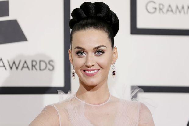 Katy Perry: Selfie bir hastalıktır