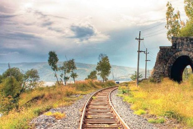 Balayında nostaljik tren yolculuğu