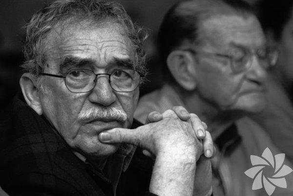 'Gabo' lakabıyla tanınan Nobel Edebiyat Ödülü sahibi Kolombiyalı yazar Gabriel Garcia Marquez, yaşamını yitirdi. Ailesine yakın kaynaklar, Marquez'in, Mexico City'deki evinde 87 yaşında hayata veda ettiğini açıkladı.