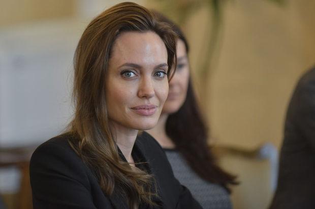 Angelina Jolie'den eski eş açıklaması