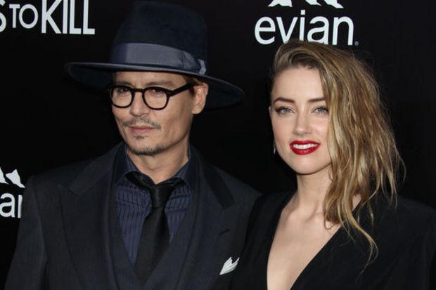 Johnny Depp sevgilisine ada alıyor