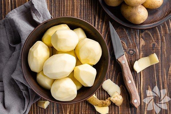 Bol miktarda C ve B vitaminleri ile potasyum ve kalsiyum içeren patates, protein, bakır, demir ve fosfor da içerir. İşte patatesin bilmediğiniz faydaları...