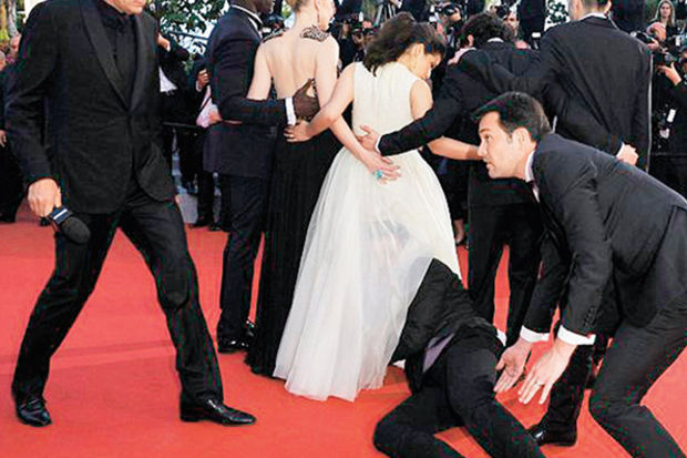 Cannes'da 'eşek şakası'