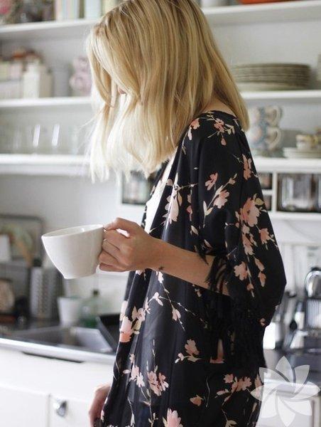 Dar pantolonlar ve stilettolarla kullanabileceğiniz kimonolar harika bir stil için biçilmiş kaftan.