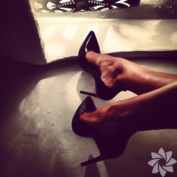 Burcu Esmersoy'un ayakkabıları...