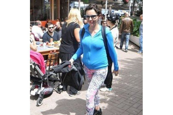Hande Ataizi'nin hamilelik fotoğrafları