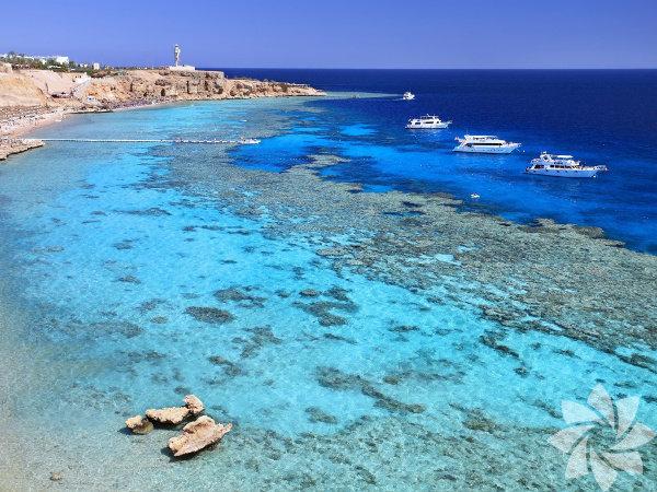Sharm el Sheikh, tamamen çölün içinde vaha olan bir şehirdir.