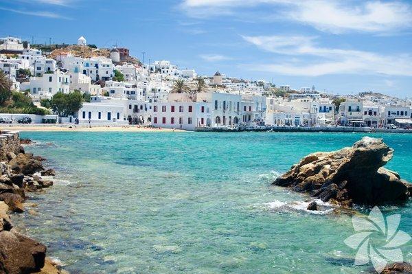 Mykonos, Ege Denizi'ndeki Kiklad Adaları'na bağlı olan ada öncelikle granitten oluşmuştur.