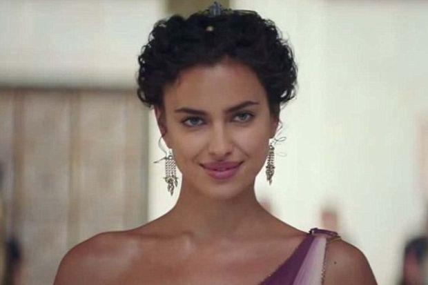 Irina Shayk oyunculuğa soyundu