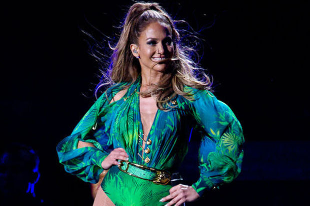 J-Lo'dan muhteşem performans