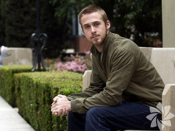 Ryan Thomas Gosling, 1980 doğumlu, Kanadalı oyuncudur.