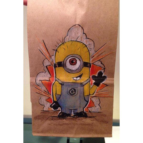 Serbest tasarımcı ve illüstratör Bryan Dunn, okulun ilk günden beri oğlunun öğle yemeği çantasına farklı bir resim çizmiş.