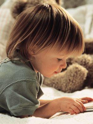 Çocukların kitap okuması için ne yapmalı?