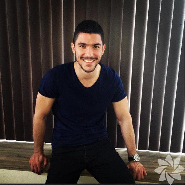 İstanbul'da dünyaya gelen Kaan Yıldırım 1986 doğumlu.