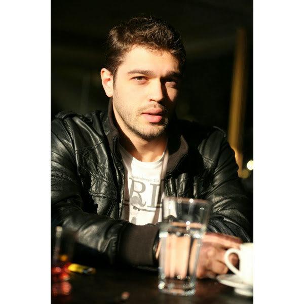 Furkan Andıç, 1990 doğumlu.