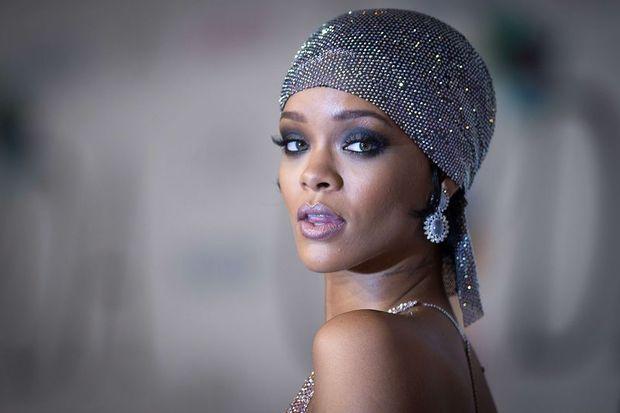 Rihanna'nın partisi plajda