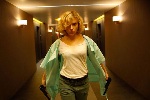 Gişenin kraliçesi Scarlett Johansson