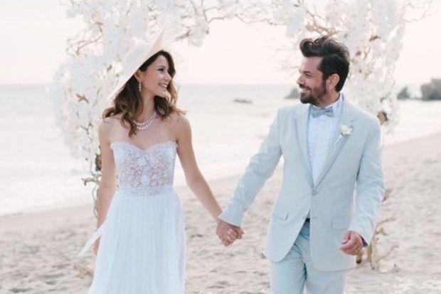 Beren Saat ve Kenan Doğulu evlendi...