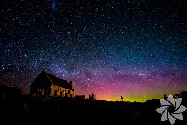 Tekapo Gölü – Yeni Zelanda Tekapo Golü, Yeni Zelanda'da Güney Alpler'de kalan ve yıldızları görmek için hiç kuşkusuz dünyanın en iyi yerlerinden biri.