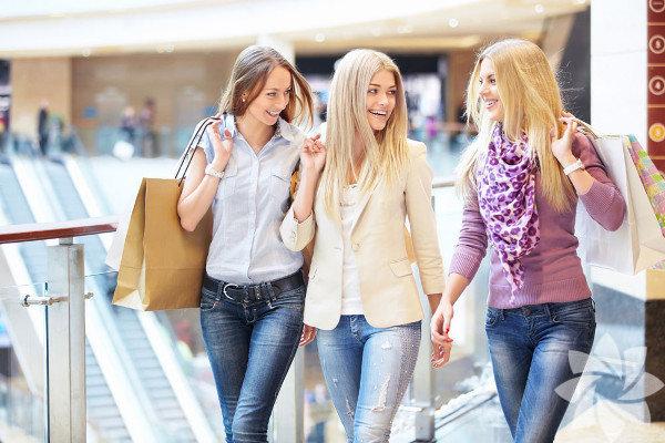 Alışveriş  Zorlu Center ve Akasya Acıbadem'de mağazaları olan Industrie Denim'deki Marie Turnor markalı çantalar şu aralaren büyük aşkım!  Son senelerde tüm dünyada moda olan terrarium'ların Türkiye'de güzel örnekleri shopdesign.com'da Interrarium tasarımıyla satılıyor.