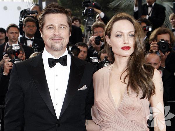 9 yıldır birlikte olan Hollywood'un ünlü çifti Angelina Jolie ve  Brad Pitt geçtiğimiz günlerde evlendi.