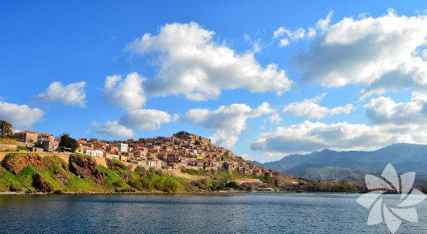Midilli, Yunanistan'ın Girit ve Rodos'tan sonra en büyük üçüncü adası.