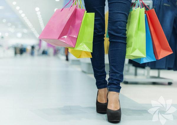 İnce gösteren aynaların ve büyük alışveriş arabalarının size daha fazla harcama yaptırdığını biliyorsunuz. İşte size alışveriş yaptıran 5 yöntem...