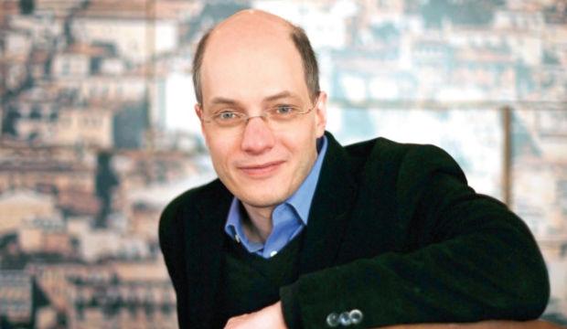 Alain de Botton:Kendinizden büyük bir şeye inanın