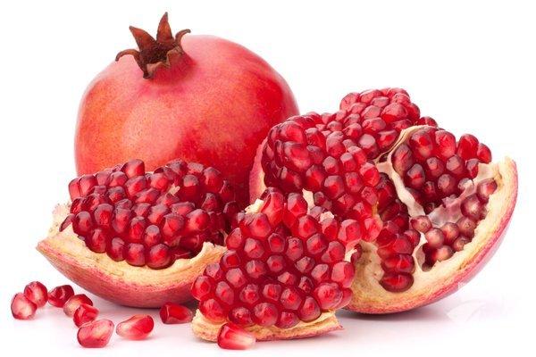 Potasyum ve demir minerali ile C vitamini açısından çok zengin bir meyve olan nar; B1, B2 vitaminleri ile kalsiyum ve fosfor mineralleri de içeriyor.