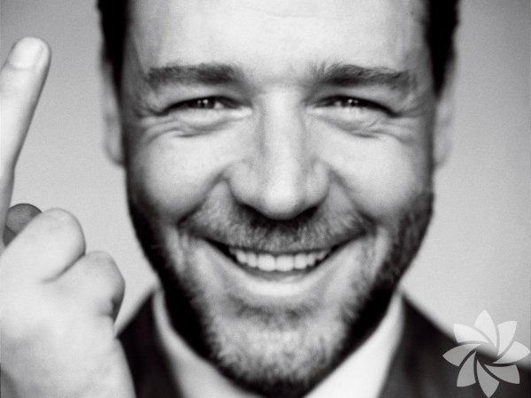 """Russell Crowe - 7 Nisan 1964  Yeni Zelandalıoyuncu ve yönetmen """"Gladyatör"""" filmindeki rolüyle Oscar ödülü kazandı."""